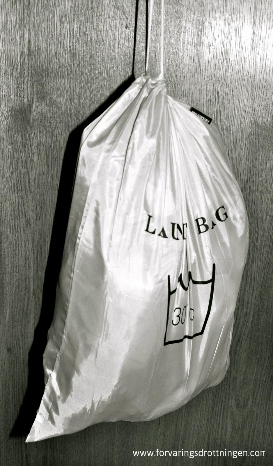laundry bag upphängd