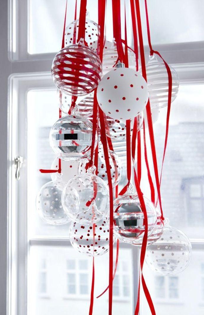 Dekoration med hjälp av julgransbollar