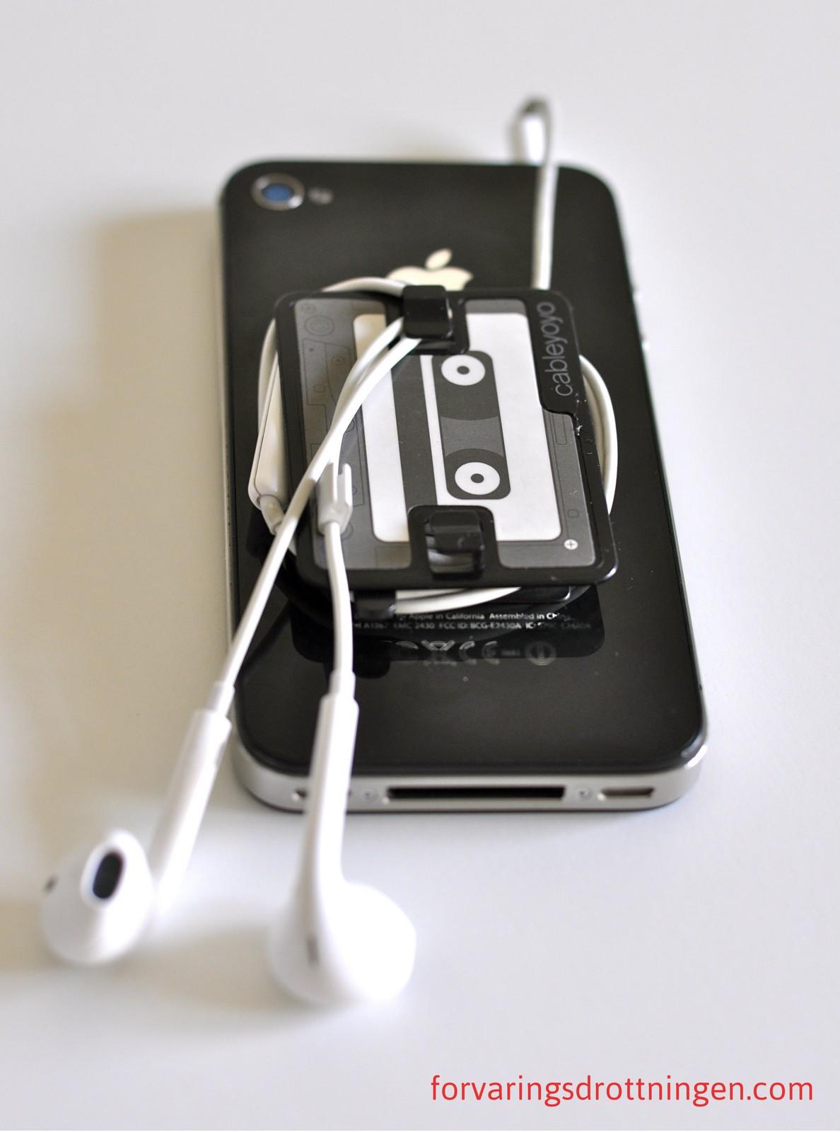 löser trassel bland hörlurar
