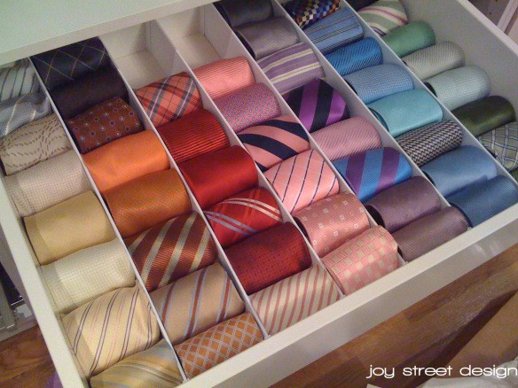 slipsförvaring i byrålåda