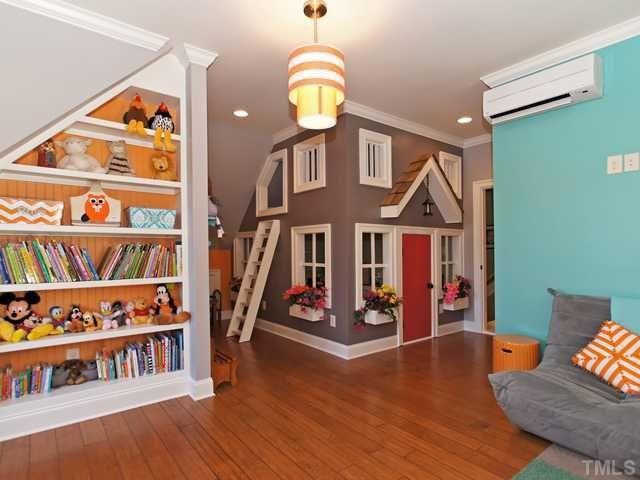 Möblera barnrum med snedtak - inspiration | Barnrum, Inspiration ... : litet barnrum : Barnrum