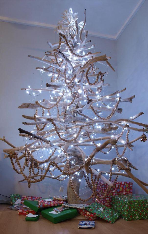 julgran av träpinnar