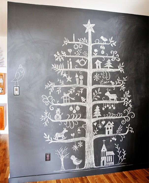 julgran ritad på väggen