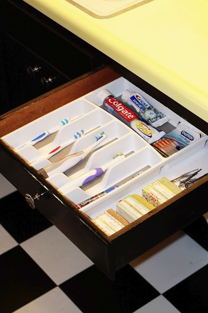 tandborstar i bestickhållare