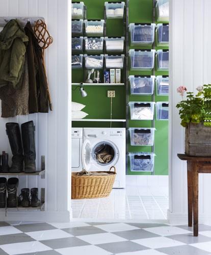 tvättstuga - inspiration - med semi-transparent förvaring