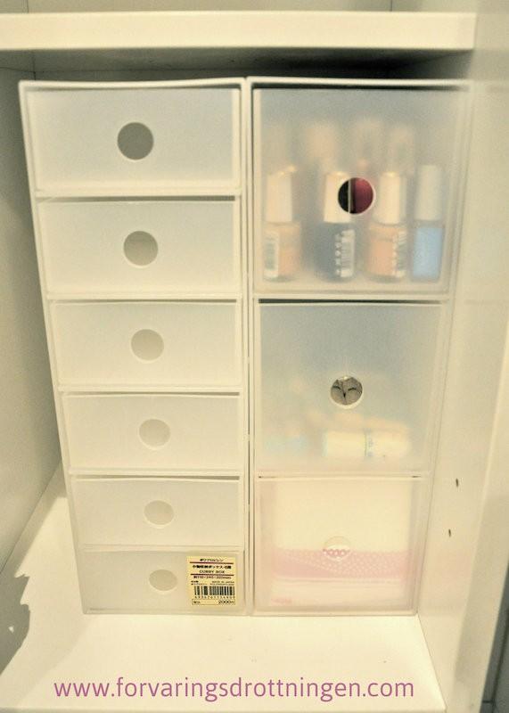 MUJI lådor för badrumskåpet