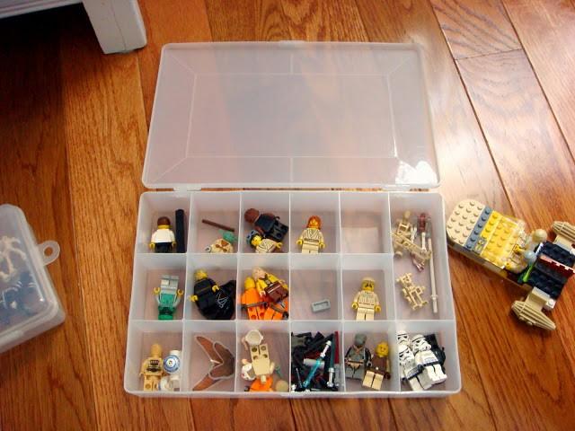 Legogubbar i hobbylåda