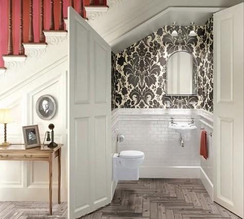 toalett under trappan