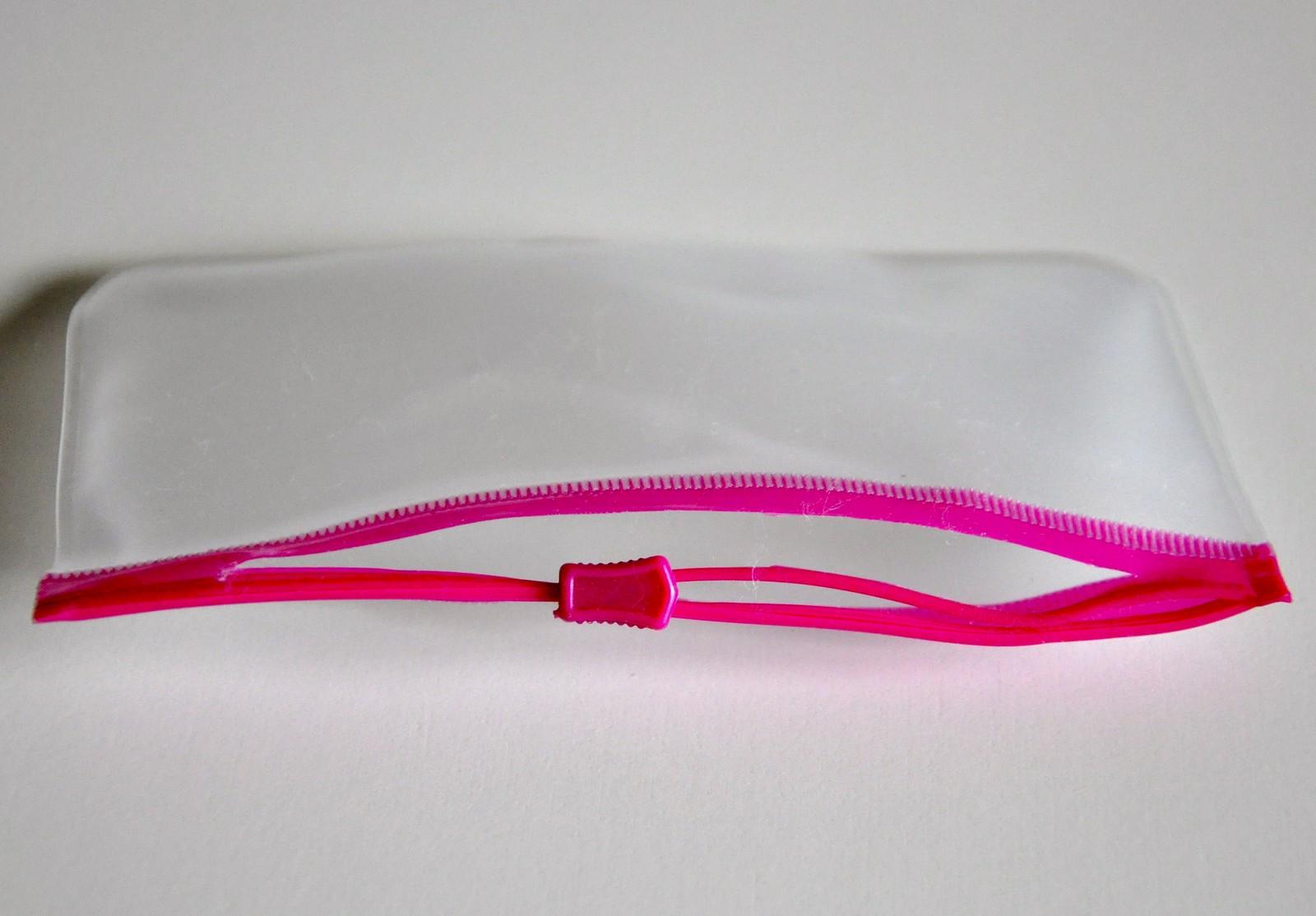 trasig  plastpåse med ziplock