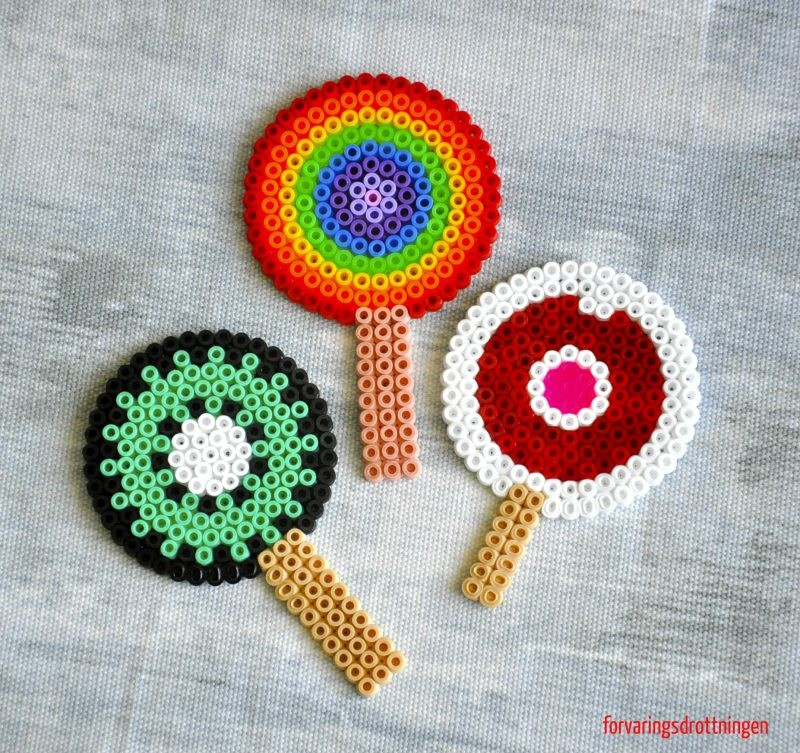 glassar gjorda av pärlor