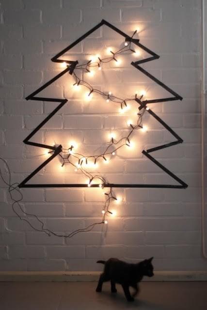 julgran på väggen
