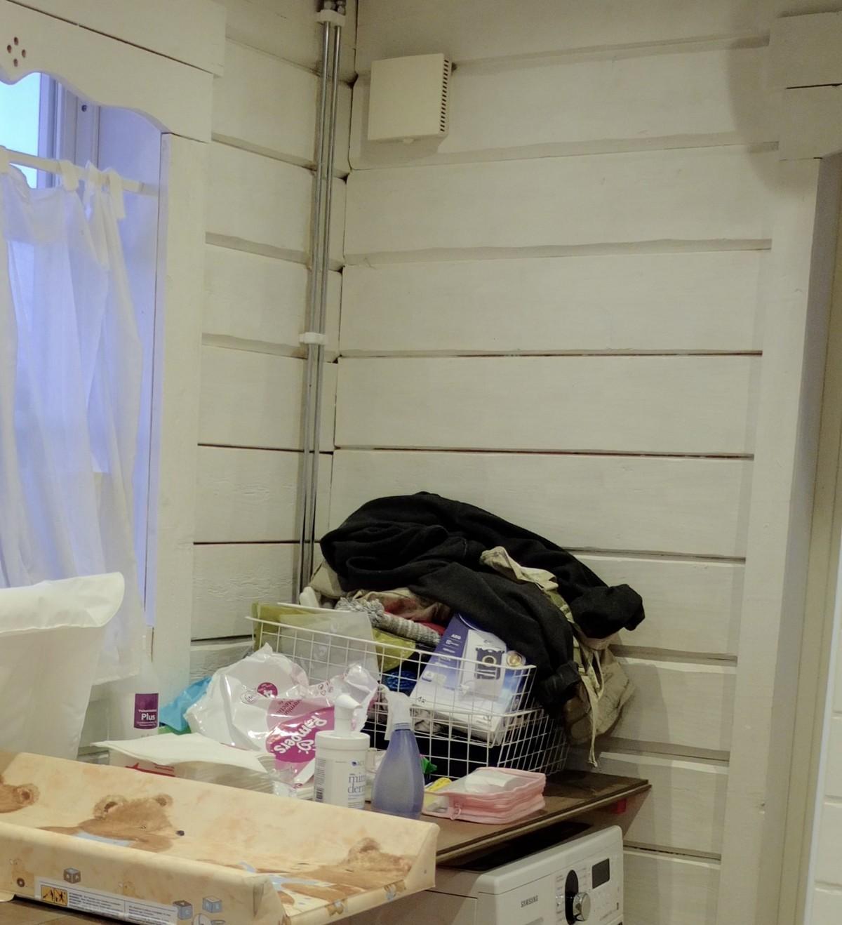väggen i tvättstugan - före
